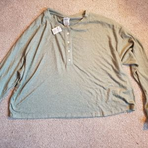 NWT pink cropped long sleeved sweater